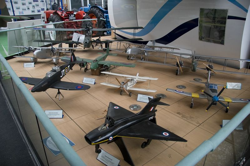 Models depicting the Boulton Paul aviation lineage